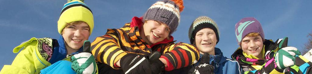 Erlebnis Urlaub mit Schneeschuhtouren im Winter für Familien mit Kindern